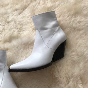 ZARA Cowboy White Bootie Ankle Size 39